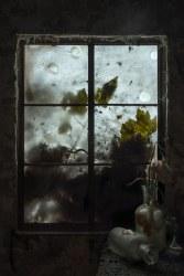 Choki Lindberg, Window 4 (Vases)