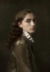 Justine Tjallinks, Androgyny