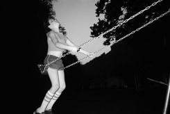 Bertien van Manen, David on swing, West Virginia