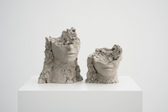 Mark Manders, Two Dry Clay Heads