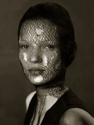 Albert Watson, Kate Moss Torn Veil, Marrakech