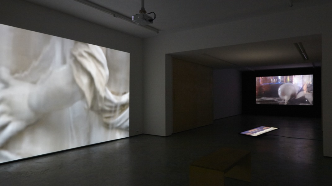 Emma van der Put, Room, Fountain, Token, tegenboschvanvreden, 2014, installation view