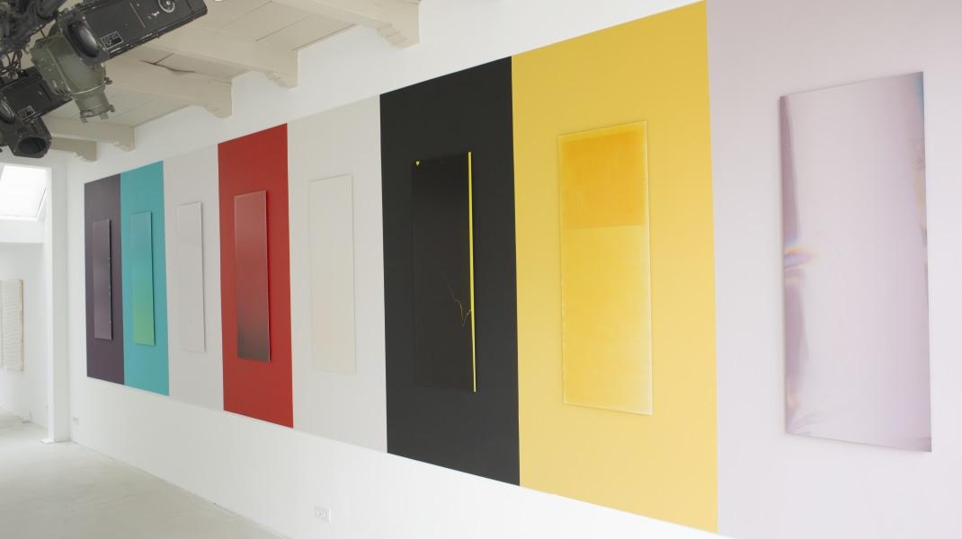 Simone Hoang, Installatie Sense of Colour tijdens solo in galerie 2017