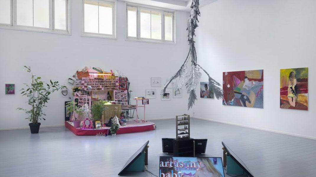 Tanja Ritterbex, Installation view Offspring show - Function creep at De Ateliers, Amsterdam, 2015, curated by Xander Karskens (photo Gert Jan van Rooij)