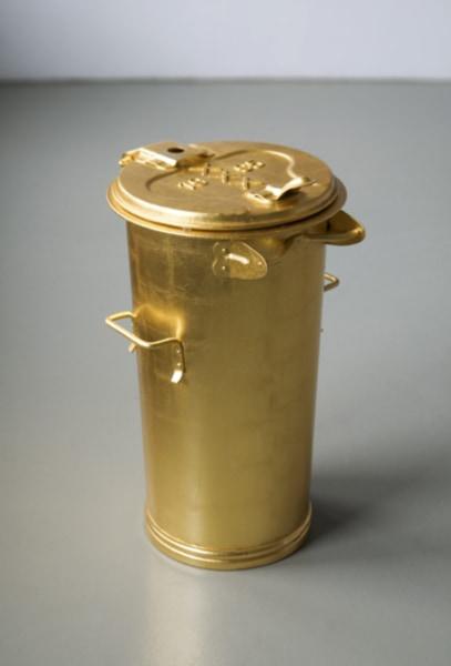 Marijke van Warmerdam, Vuilnisbak (Dustbin)