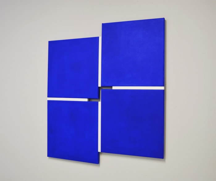 Tineke Porck, Shifts 242020, 4-parts blue-white