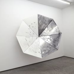 Luuk Hezen, Art with a cast-iron logic