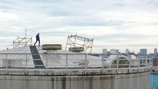 Running In Circles [Corona II] / Movement And Poli, Jeroen Jongeleen, Upstream Gallery