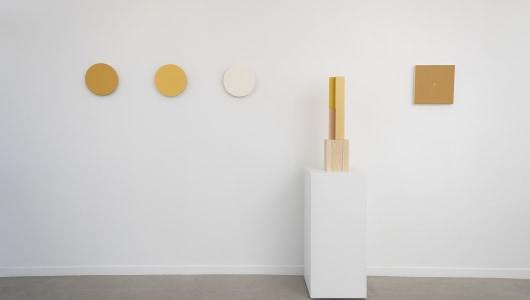 Between White & Color, Ane Vester, Marthe Wéry, Jaromir Novotny, Matthew Feyld, Geukens & De Vil
