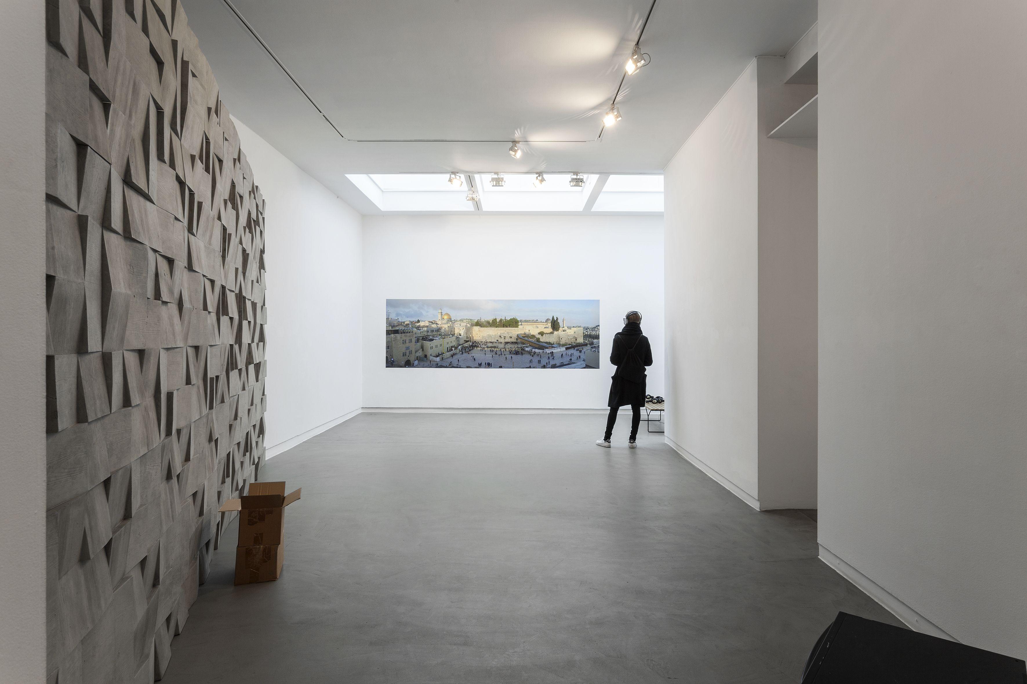 instagram is killing the way we experience art in museums quartz Ryan Gander Kunstenaar Op Gallery Viewer Gallery Vie
