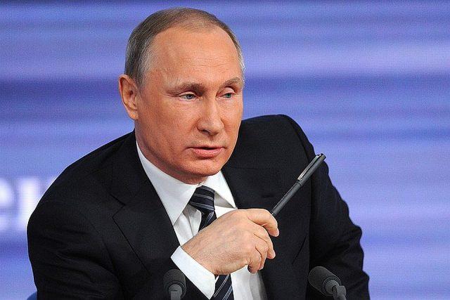 Индексикация пенсий, голосование в выходной день, плебисцит: Владимир Путин о поправках в Конституции