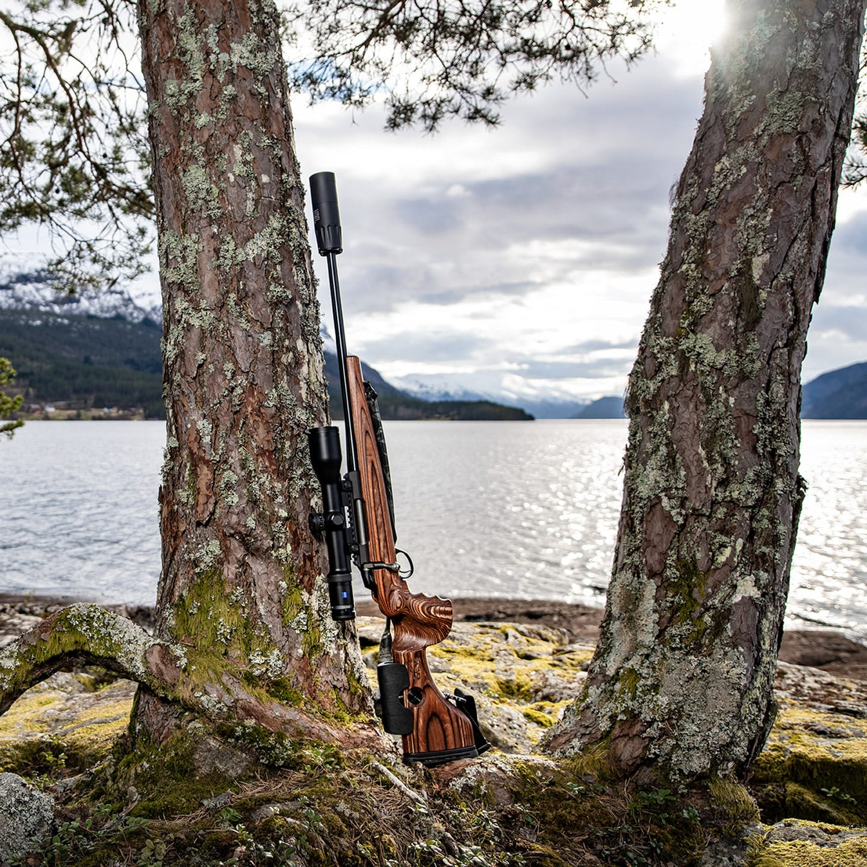 Photo of GRS Hunter Light, complete rifle, outside Hornindal Lake