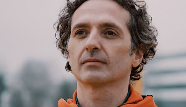 Matteo Brusa was the final man running for the oceans at the adidas HQ activation in 2019 | ocean plastic