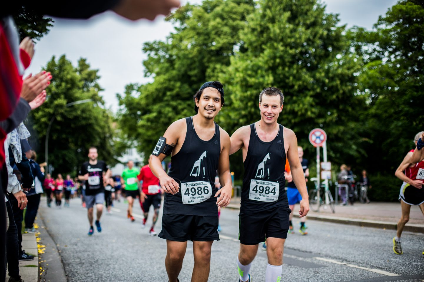 Two men at a marathon run. .How to build a creative workplace culture, JvM, workplace, collaboration, creativity, team-building, GamePlan A