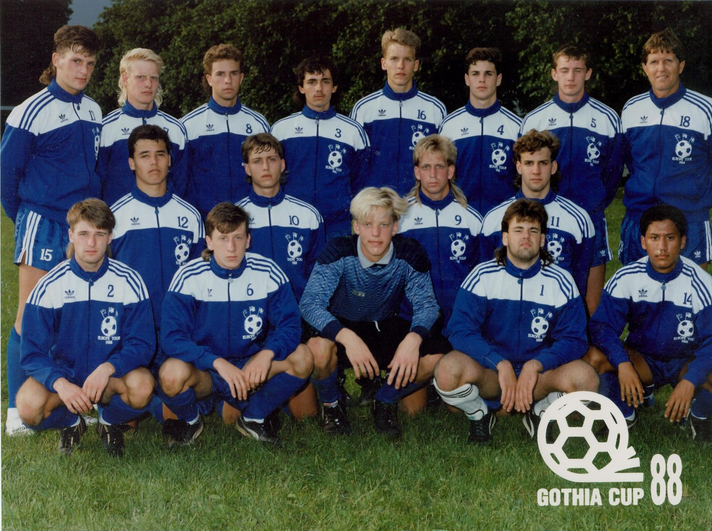 Boys football team standing together in a team photo, men, soccer, team, football, Benson, Sweden, USA, adidas