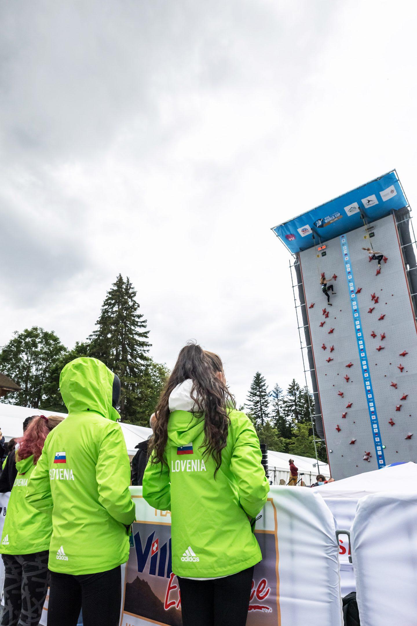Slovenian team supporting Janja Garnbret on the speed wall. Janja Garnbret, climbing, speed wall, Slovenian team,