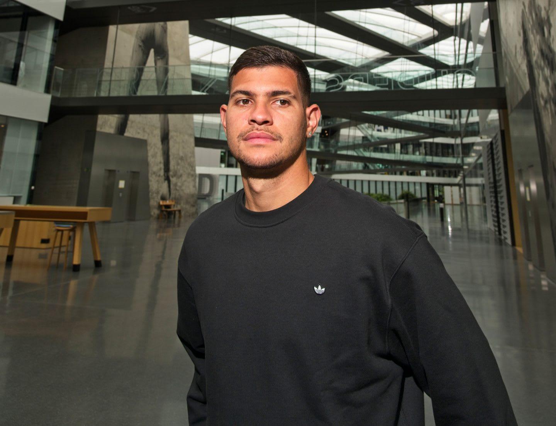 Bruno Guimaraes in the arena of the adidas headquarters in Herzogenaurach, Bruno Guimaraes, football, adidas, Headquarters, Herzogenaurach