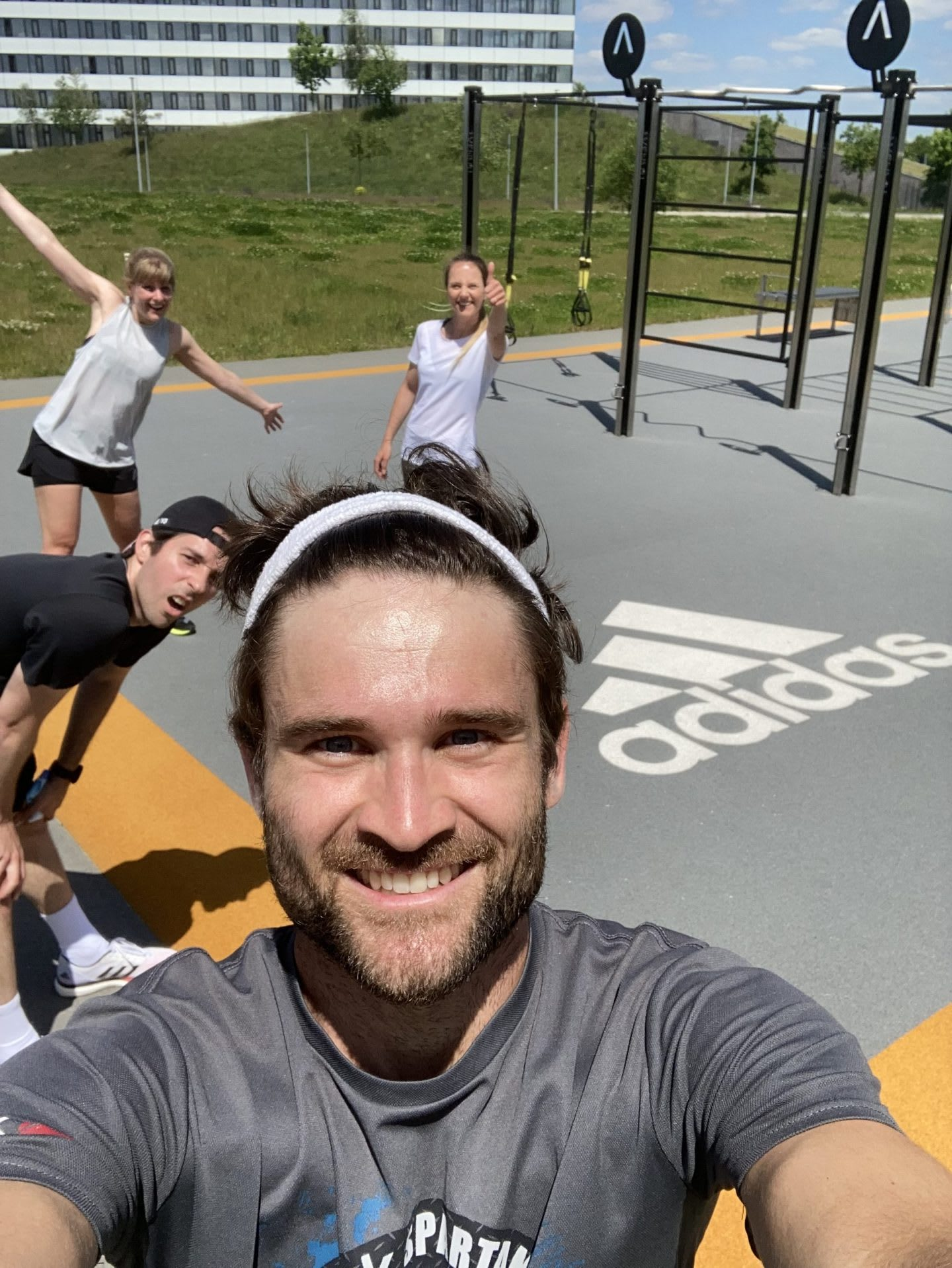 Men and women doing outdoor working in an outdoor gym, adidas, HQ, headquarters, Herzogenaurach, Germany, sports, company