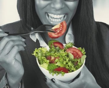 woman eating salad high performance lunch
