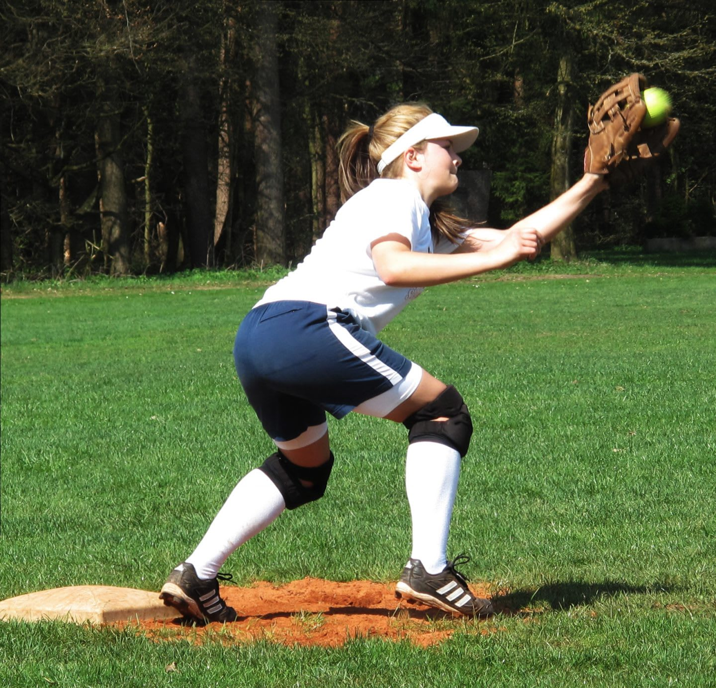 falling-in-love-with-sport-adidas-Gameplan A-Hannah Hlavacek-Softball