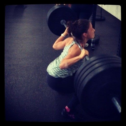 Squats-Weight-Lifting-Women-Motivation-From-the-back