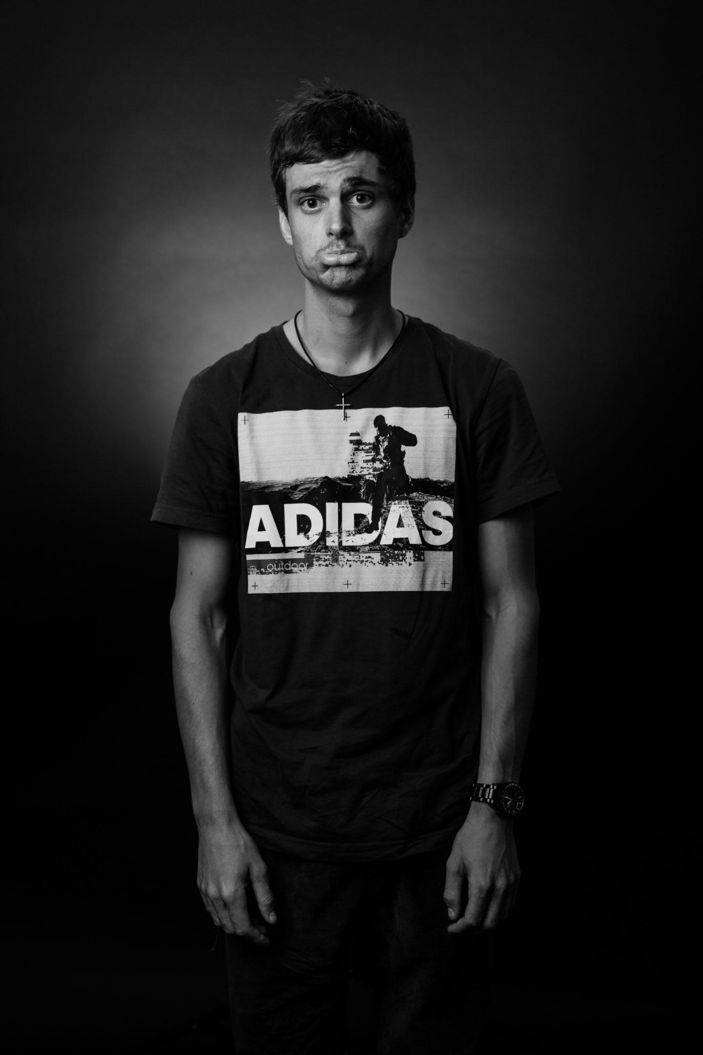 Toni-Palzer-adidas-Terrex-athlete-life-without-mountains-gesture
