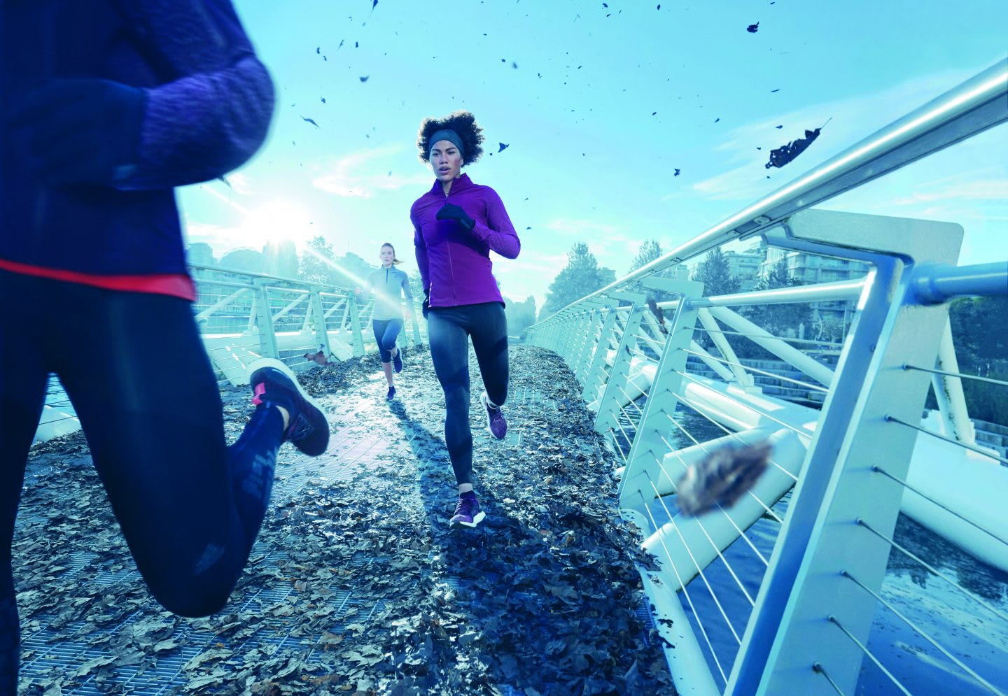 Women Running in winter times on a bridge, adidas, GamePlan A, holidays, holiday break, relax, motivation