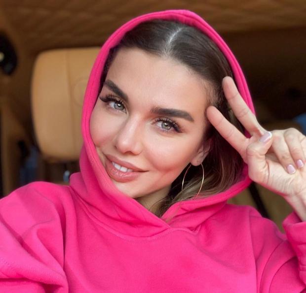 Анна Седокова знает как улучшить настроение: певица поделилась важными советами