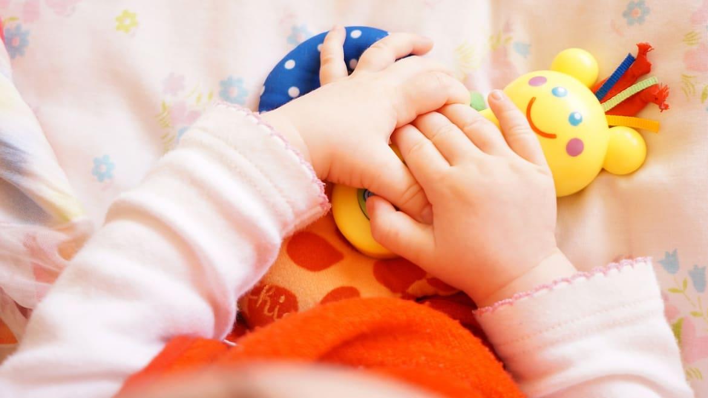 Cómo estimular y jugar con tu bebé de 0-6 meses