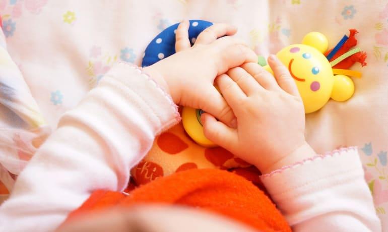 Como estimular y jugar con tu bebé de 0-6 meses – ONLINE