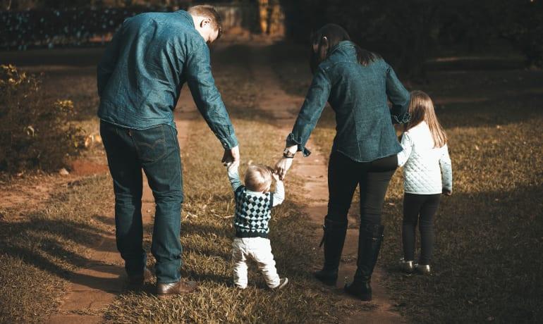 Beneficios del apego seguro en nuestros hijos e hijas