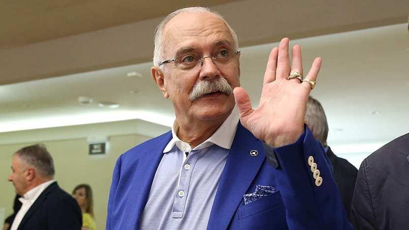 Никита Михалков напраздновании 76-летия исполнил песню «Мохнатый шмель»