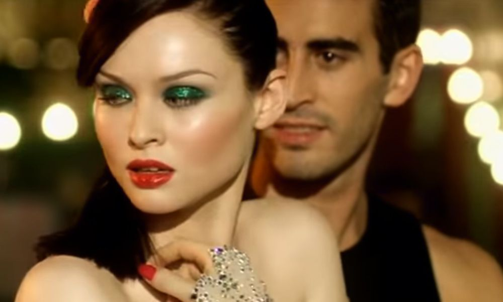Sophie Ellis-Bextor – Murder on the Dancefloor