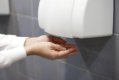 Hand Dryer atau Tisu Toilet, Mana yang Lebih Bersih?