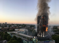 Grenfell Tower still burning at 4.43am on 14 June 2017, London (Natalie Oxford/CC By 4.0)