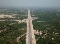 A section of the Sukkur-Multan motorway in Pakistan, built in just three years by China State Construction Engineering Corporation (From the Facebook page of China-Pakistan Economic Corridor)