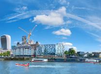 Construction in London (Anyaivanova/Dreamstime)