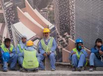 Workers in Doha, Qatar (Alex Sergeev/www.asergeev.com/CC BY-SA 3.0)