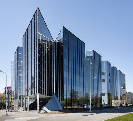 No need to touch: Office building made contactless in a hurry
