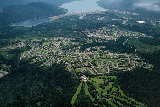 The town of Kitimat with the Douglas Channel in the background (District of Kitimat/CC BY-SA 4.0)
