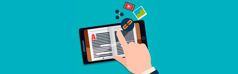 mão passando a página de um ebook em um celular