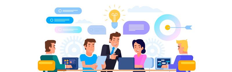 empreendedor realizando uma consultoria com várias pessoas em uma mesa
