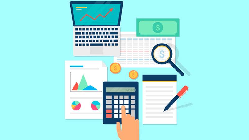 Fazendo curso online de vendas através do computador