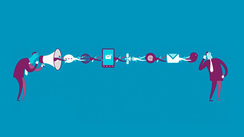 Pessoa se comunicando com outra através de um megafone