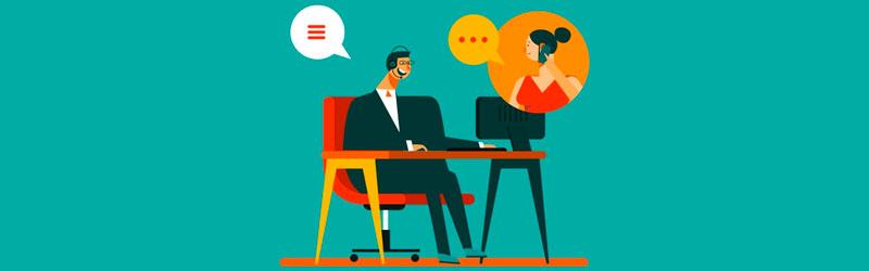 atendente instruindo um cliente