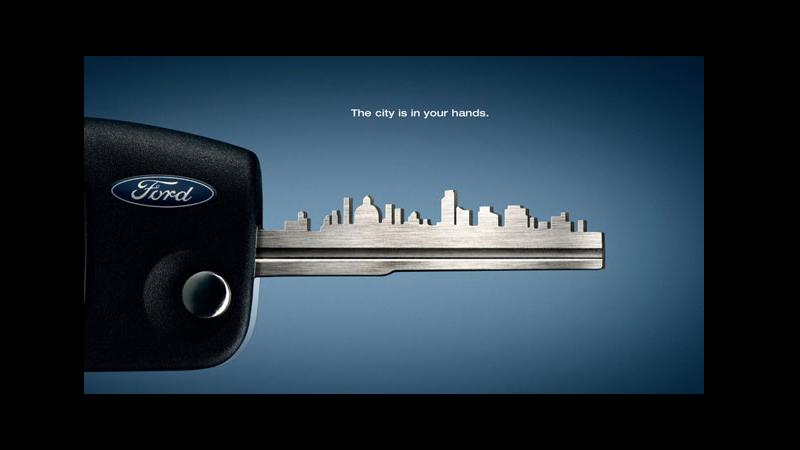 Imagem de uma propaganda da Ford mostrando a chave de um carro.