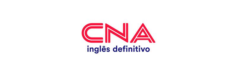 """Logo da franquia CNA com o slogan """"inglês definitivo"""""""