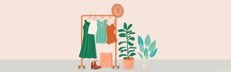 Arara com roupas e um tamanco ao lado de plantas