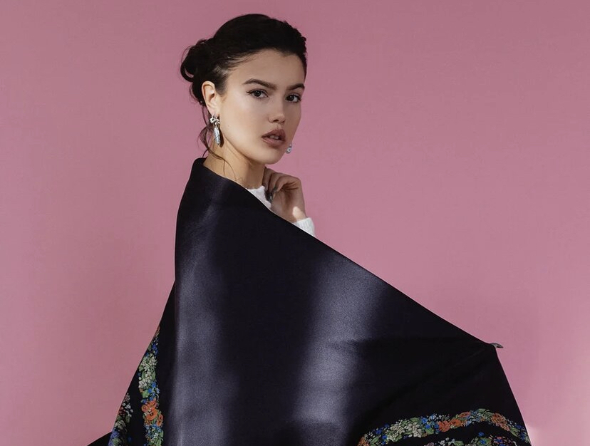Не только украшения: бренд AXENOFF выпустил коллекцию платков