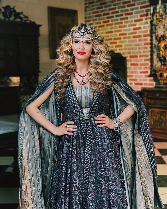 Мария Горбань примерила эффектный образ героини «Великолепного века»